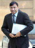 Lakshmi Mittal chief executive of steel giant ArcelorMittal arrives for talks with French President Nicolas Sarkozy at presidential Elysee Palace 28...