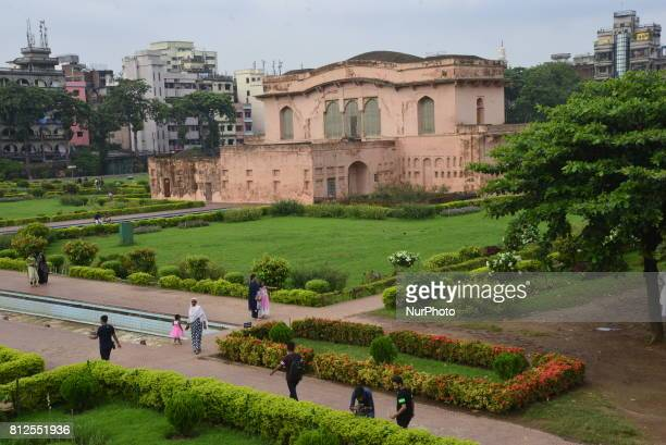 Lalbagh Fort is an incomplete 17th century Mughal fort complex that stands before the Buriganga River in the southwestern part of Dhaka Bangladesh on...