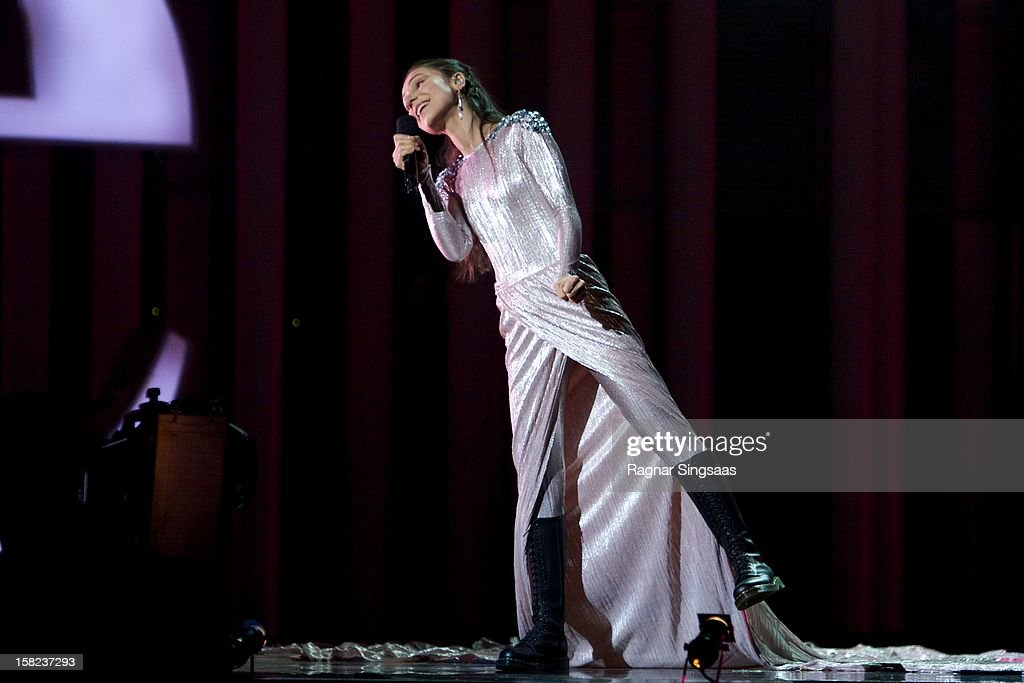 Laleh performs at the Nobel Peace Prize Concert at Oslo Spektrum on December 11, 2012 in Oslo, Norway.