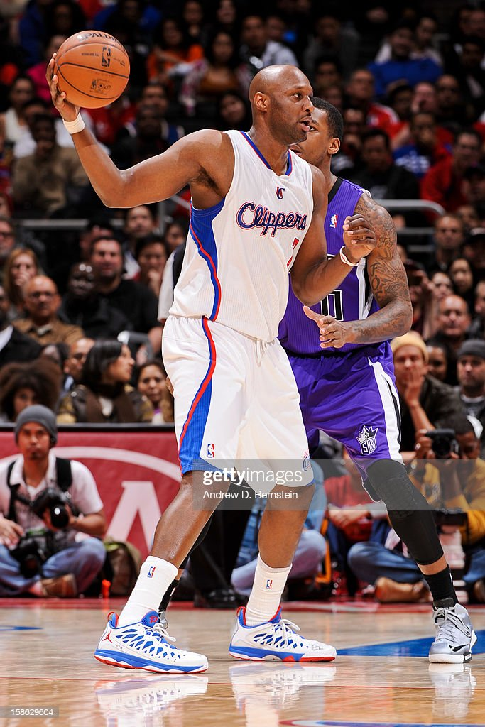 Lamar Odom #7 of the Los Angeles Clippers controls the ball against the Sacramento Kings at Staples Center on December 21, 2012 in Los Angeles, California.