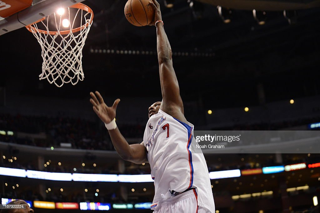 Lamar Odom #7 of the Los Angeles Clippers goes to the basket during the game between the Los Angeles Clippers and the Sacramento Kings at Staples Center on December 1, 2012 in Los Angeles, California.