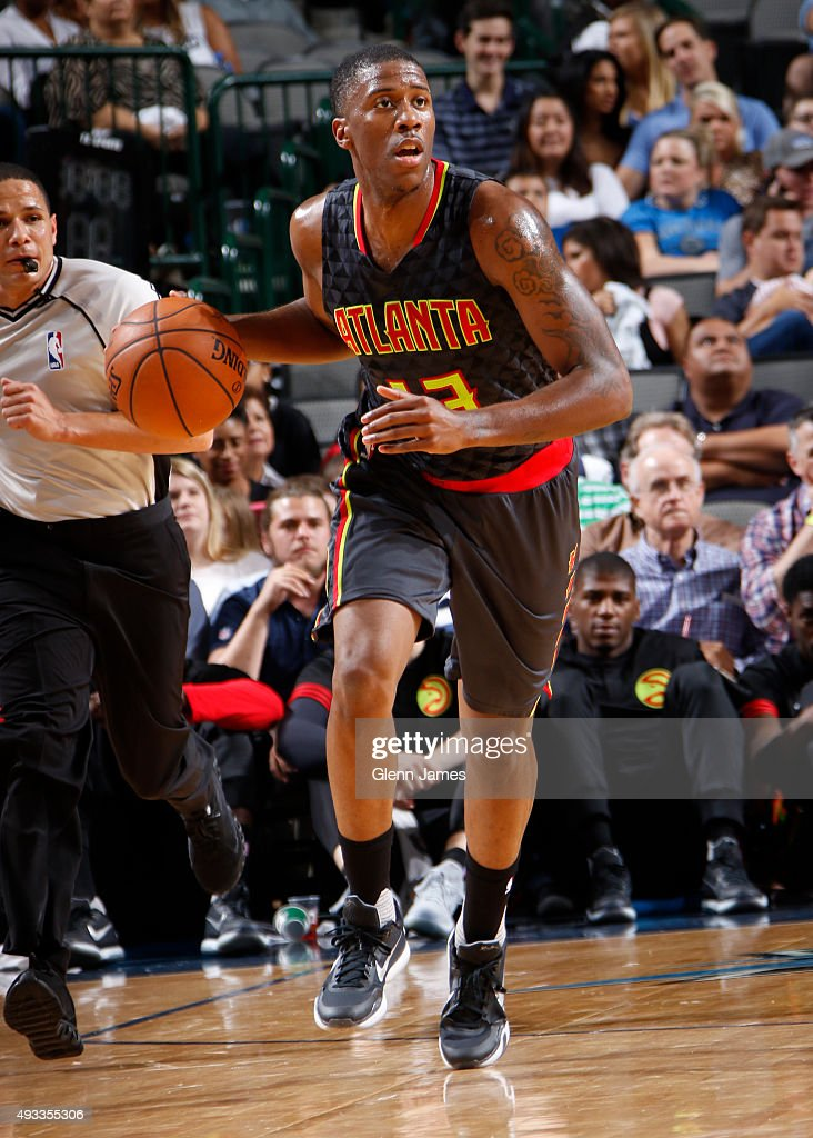 <a gi-track='captionPersonalityLinkClicked' href=/galleries/search?phrase=Lamar+Patterson&family=editorial&specificpeople=6480704 ng-click='$event.stopPropagation()'>Lamar Patterson</a> #13 of the Atlanta Hawks dribbles the ball against the Dallas Mavericks during a preseason game on October 16, 2015 at the American Airlines Center in Dallas, Texas.