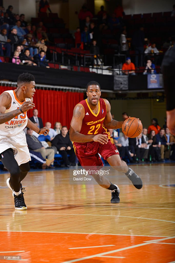 <a gi-track='captionPersonalityLinkClicked' href=/galleries/search?phrase=Lamar+Patterson&family=editorial&specificpeople=6480704 ng-click='$event.stopPropagation()'>Lamar Patterson</a> #22 of the Canton Charge drives to the basket against the Westchester Knicks during the game at the Westchester County Center on March 3, 2016 in Westchester, New York.