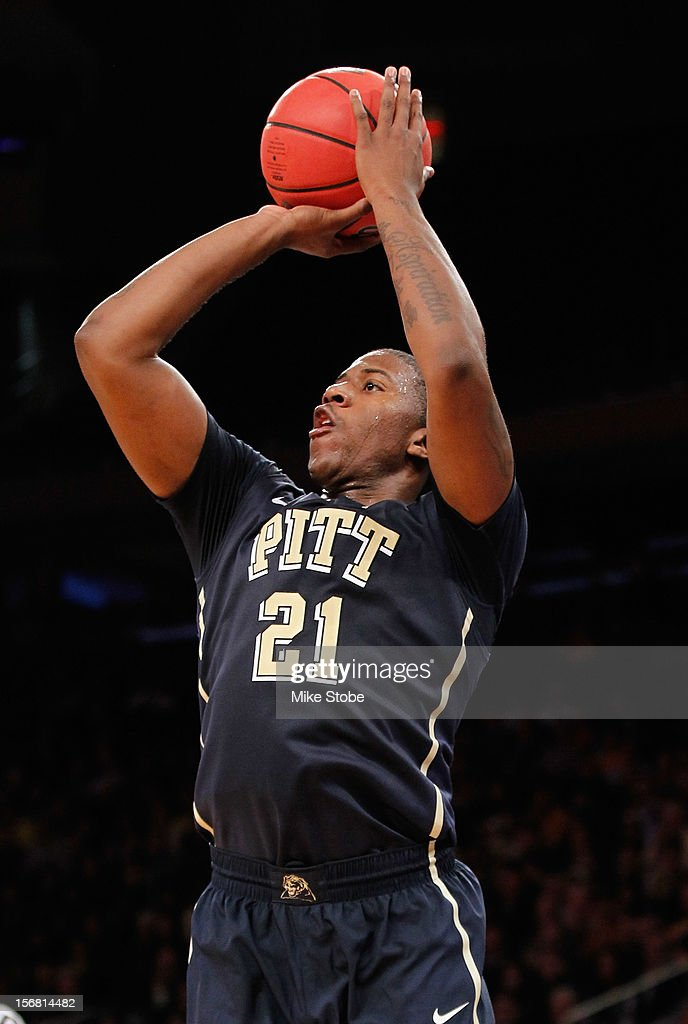 Lamar Patterson #21 of the Pittsburgh Panthers shoots the ball against the Michigan Wolverines during the NIT Season Tip-Off at Madison Square Garden on November 21, 2012 in New York City. Michigan defeated Pittsburgh 67-62.