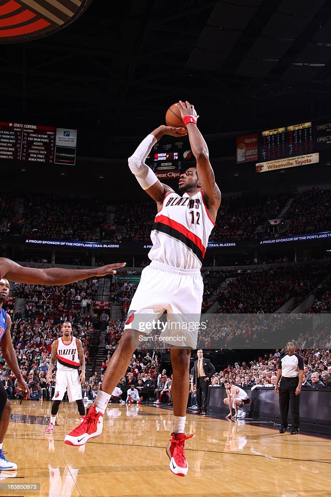LaMarcus Aldridge #12 of the Portland Trail Blazers goes for a jump shot during the game between the Detroit Pistons and the Portland Trail Blazers on March 16, 2013 at the Rose Garden Arena in Portland, Oregon.