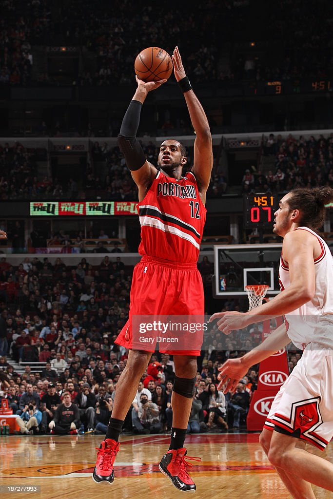 <a gi-track='captionPersonalityLinkClicked' href=/galleries/search?phrase=LaMarcus+Aldridge&family=editorial&specificpeople=453277 ng-click='$event.stopPropagation()'>LaMarcus Aldridge</a> #12 of the Portland Trail Blazers shoots the ball against the Chicago Bulls on March 21, 2013 at the United Center in Chicago, Illinois.