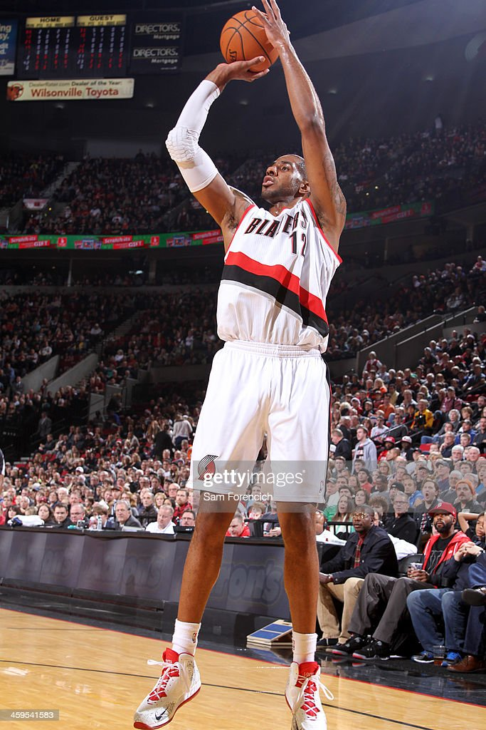 <a gi-track='captionPersonalityLinkClicked' href=/galleries/search?phrase=LaMarcus+Aldridge&family=editorial&specificpeople=453277 ng-click='$event.stopPropagation()'>LaMarcus Aldridge</a> #12 of the Portland Trail Blazers shoots the ball against the New Orleans Pelicans on December 21, 2013 at the Moda Center Arena in Portland, Oregon.