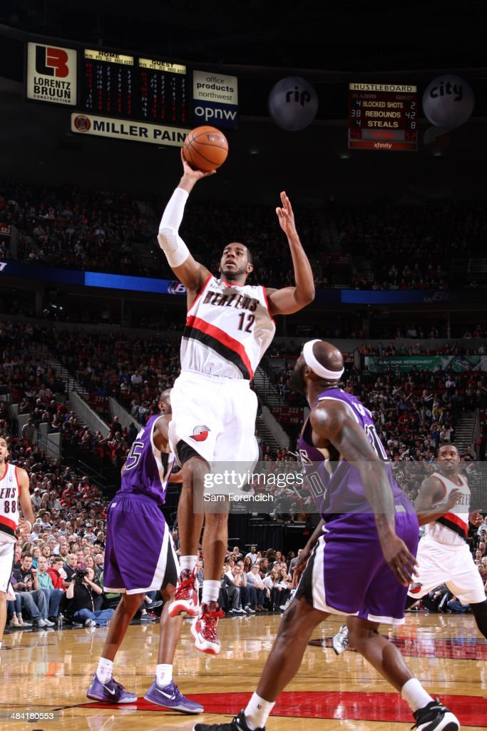 <a gi-track='captionPersonalityLinkClicked' href=/galleries/search?phrase=LaMarcus+Aldridge&family=editorial&specificpeople=453277 ng-click='$event.stopPropagation()'>LaMarcus Aldridge</a> #12 of the Portland Trail Blazers shoots the ball against the Sacramento Kings on April 9, 2014 at the Moda Center Arena in Portland, Oregon.