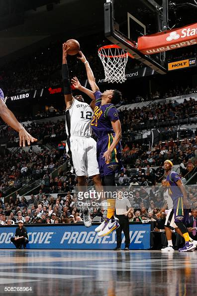 LaMarcus Aldridge of the San Antonio Spurs shoots the ball against Anthony Davis of the New Orleans Pelicans on February 3 2016 at the ATT Center in...