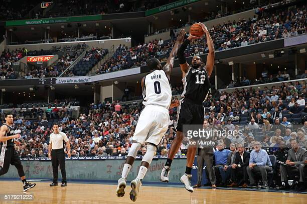 LaMarcus Aldridge of the San Antonio Spurs shoots the ball against the Memphis Grizzlies on March 28 2016 at FedExForum in Memphis Tennessee NOTE TO...