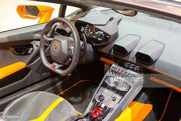 Lamborghini Huracán LP 610-4 Spyder voiture de sport intérieurs