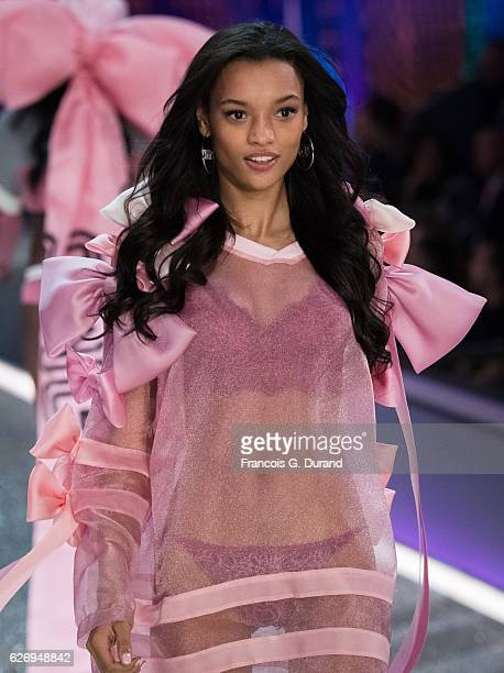 Lameka Fox walks the runway at the Victoria's Secret Fashion Show on November 30 2016 in Paris France
