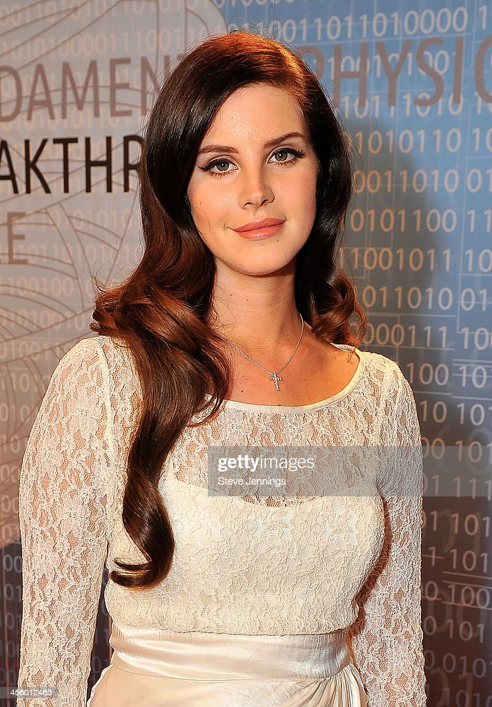Lana Del Ray attends the 2014 Breakthrough Prize Inaugural Ceremony for Awards in Fundamental Physics and Life Sciences at NASA Ames Research Center on December 12, 2013 in Mountain View, California.