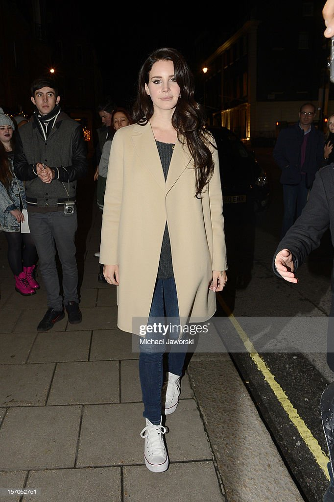 <a gi-track='captionPersonalityLinkClicked' href=/galleries/search?phrase=Lana+Del+Rey&family=editorial&specificpeople=8565478 ng-click='$event.stopPropagation()'>Lana Del Rey</a> arriving at her London hotel on November 27, 2012 in London, England.