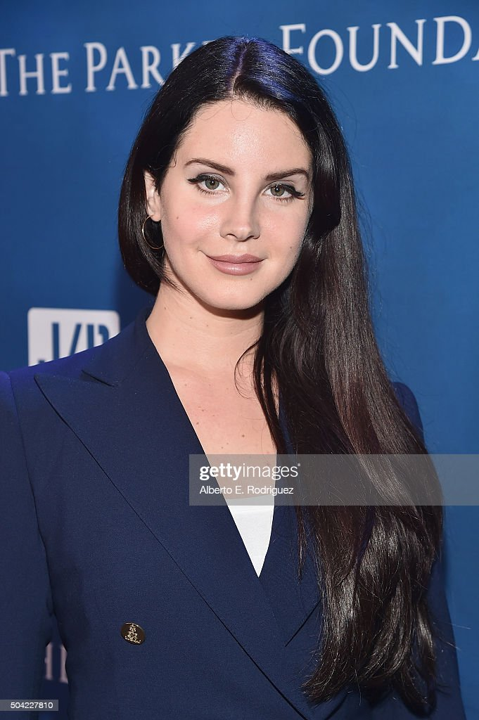 <a gi-track='captionPersonalityLinkClicked' href=/galleries/search?phrase=Lana+Del+Rey&family=editorial&specificpeople=8565478 ng-click='$event.stopPropagation()'>Lana Del Rey</a> attends the 5th Annual Sean Penn & Friends HELP HAITI HOME Gala Benefiting J/P Haitian Relief Organization at Montage Hotel on January 9, 2016 in Beverly Hills, California.
