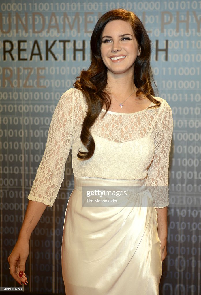 <a gi-track='captionPersonalityLinkClicked' href=/galleries/search?phrase=Lana+Del+Rey&family=editorial&specificpeople=8565478 ng-click='$event.stopPropagation()'>Lana Del Rey</a> attends the Breakthrough Prize Inaugural Ceremony at Nasa Ames Research Center on December 12, 2013 in Mountain View, California.