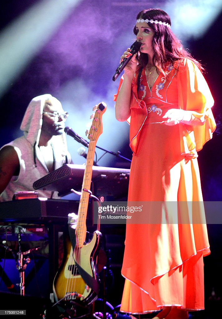 <a gi-track='captionPersonalityLinkClicked' href=/galleries/search?phrase=Lana+Del+Rey&family=editorial&specificpeople=8565478 ng-click='$event.stopPropagation()'>Lana Del Rey</a> performs as part of Lollapalooza 2013 at Grant Park on August 2, 2013 in Chicago, Illinois.