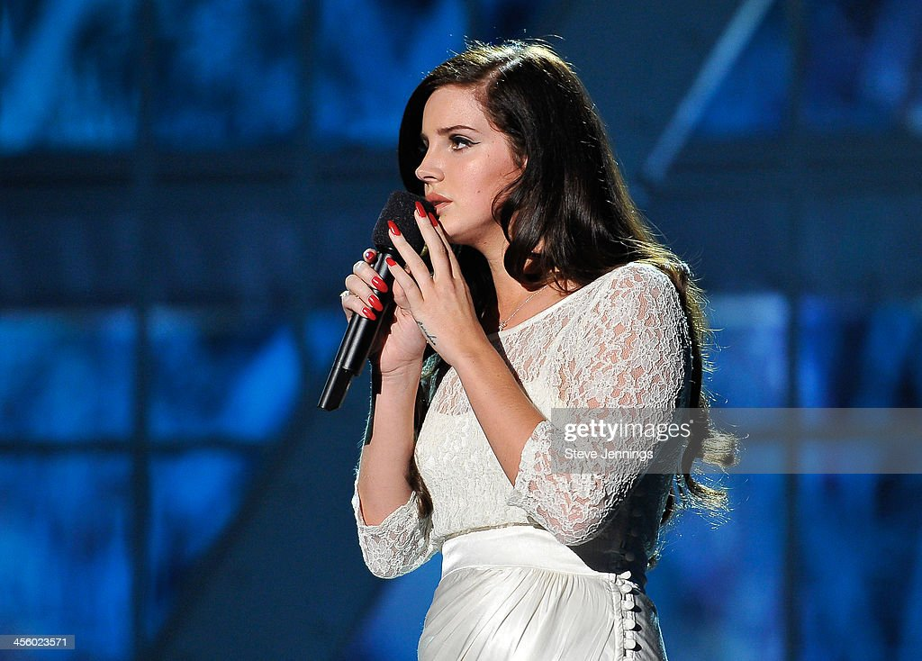 Lana Del Rey performs at the 2014 Breakthrough Prizes Awarded in Fundamental Physics and Life Sciences Ceremony at NASA Ames Research Center on December 12, 2013 in Mountain View, California.