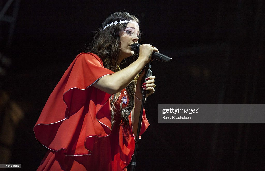 <a gi-track='captionPersonalityLinkClicked' href=/galleries/search?phrase=Lana+Del+Rey&family=editorial&specificpeople=8565478 ng-click='$event.stopPropagation()'>Lana Del Rey</a> performs during Lollapalooza 2013 at Grant Park on August 2, 2013 in Chicago, Illinois.