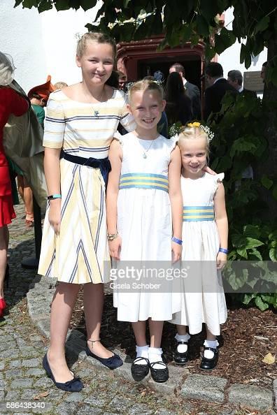lana-milona-daughter-of-lilly-zu-saynwittgensteinberleburg-and-her-picture-id586438340