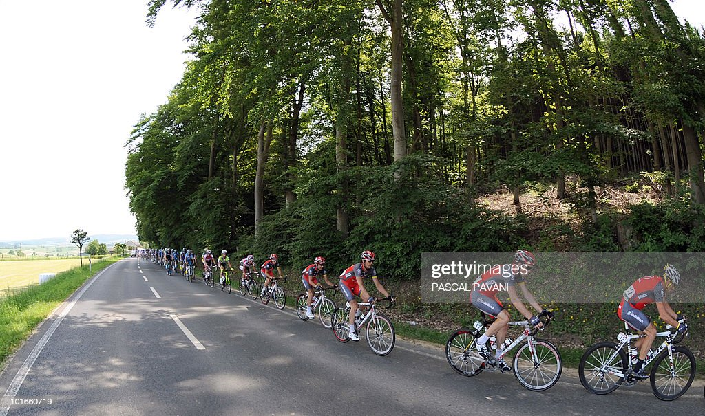 US Lance Armstrong (R) rides during the 'Tour of Luxembourg' last stage on June 6, 2010 between Mersch and Luxembourg. Spain's Gorka Izaguirre won the stage as Italian Matteo Carrara won the race ahead of Luxembourg's Franck Schleck and Lance Armstrong.