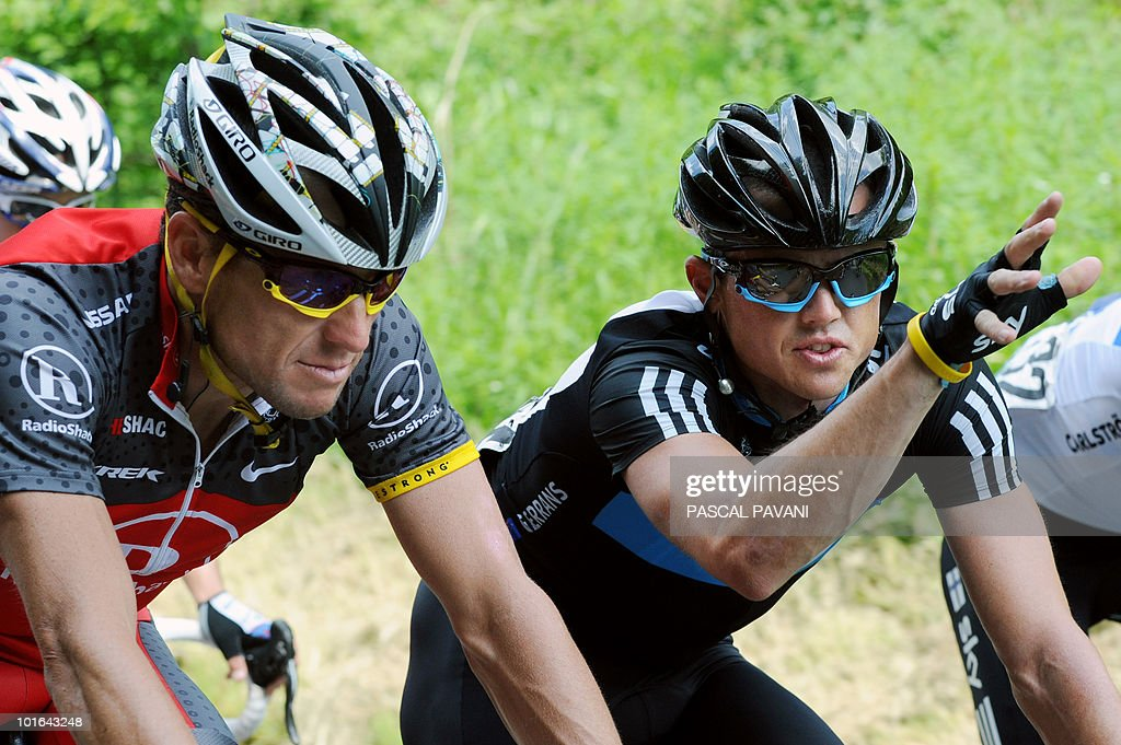 US Lance Armstrong (L) speaks with Australian Simon Gerrans (R) during the 'Tour du Luxembourg' cycling race third stage on June 5, 2010 between Eschweiler and Diekirch. France's Tony Gallopin won the stage.