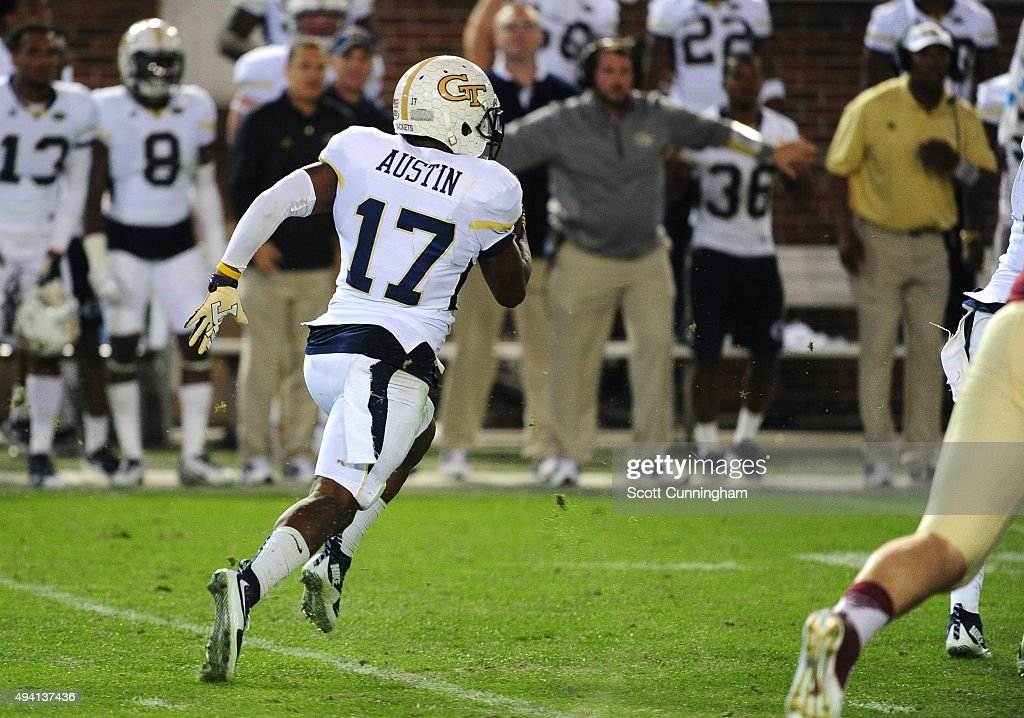 Lance Austin of the Georgia Tech Yellow Jackets returns a blocked field goal attempt to score the gamewinning 78 yard touchdown against the Florida...