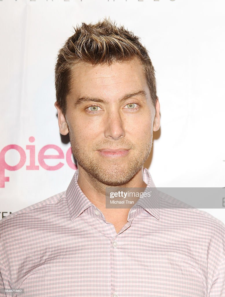 <a gi-track='captionPersonalityLinkClicked' href=/galleries/search?phrase=Lance+Bass&family=editorial&specificpeople=210566 ng-click='$event.stopPropagation()'>Lance Bass</a> arrives at 'Pieces(Of Ass)' opening night Los Angeles performance held at The Fonda Theatre on March 28, 2013 in Los Angeles, California.