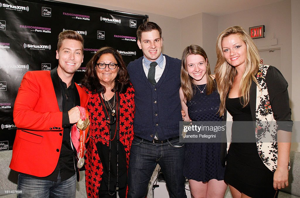 <a gi-track='captionPersonalityLinkClicked' href=/galleries/search?phrase=Lance+Bass&family=editorial&specificpeople=210566 ng-click='$event.stopPropagation()'>Lance Bass</a>, <a gi-track='captionPersonalityLinkClicked' href=/galleries/search?phrase=Fern+Mallis&family=editorial&specificpeople=201774 ng-click='$event.stopPropagation()'>Fern Mallis</a> and fencers <a gi-track='captionPersonalityLinkClicked' href=/galleries/search?phrase=Tim+Morehouse&family=editorial&specificpeople=3025609 ng-click='$event.stopPropagation()'>Tim Morehouse</a> and Dagmara Wozniak (R) attend Fashion's Night Out at Saks Fifth Avenue on September 6, 2012 in New York City.
