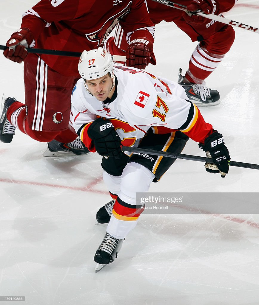 <a gi-track='captionPersonalityLinkClicked' href=/galleries/search?phrase=Lance+Bouma&family=editorial&specificpeople=4303790 ng-click='$event.stopPropagation()'>Lance Bouma</a> #17 of the Calgary Flames skates against the Phoenix Coyotes at the Jobing.com Arena on March 15, 2014 in Glendale, Arizona. The Coyotes defeated the Flames 3-2.