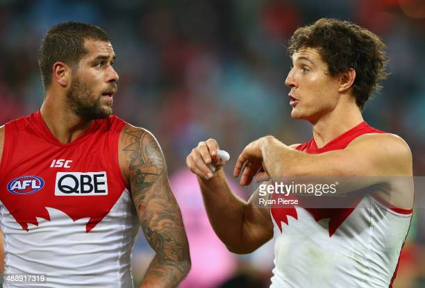 Lance Franklin and Kurt Tippett of the Swans speak at half time during the round eight AFL match between the Sydney Swans and the Hawthorn Hawks at...