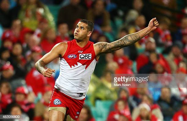 Lance Franklin of the Swans celebrates kicking a goal during the round 17 AFL match between the Sydney Swans and the Carlton Blues at Sydney Cricket...