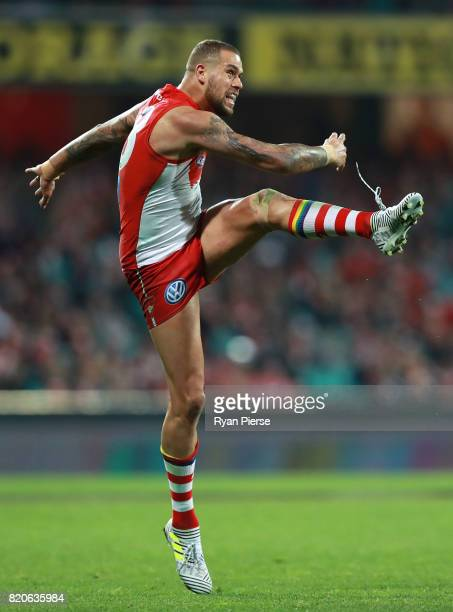 Lance Franklin of the Swans kicks during the round 18 AFL match between the Sydney Swans and the St Kilda Saints at Sydney Cricket Ground on July 22...