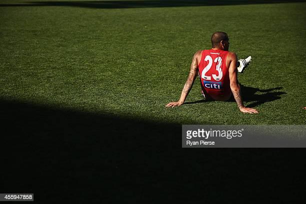 Lance Franklin of the Swans trains during a Sydney Swans AFL training session at Sydney Cricket Ground on September 23 2014 in Sydney Australia