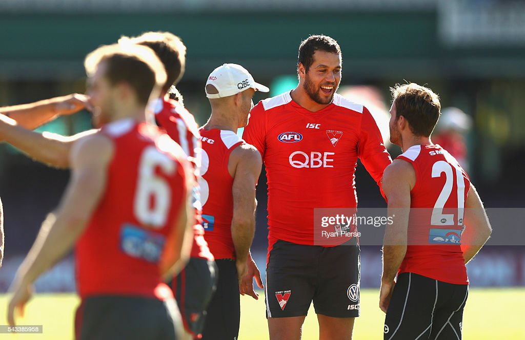 <a gi-track='captionPersonalityLinkClicked' href=/galleries/search?phrase=Lance+Franklin&family=editorial&specificpeople=561332 ng-click='$event.stopPropagation()'>Lance Franklin</a> of the Swans trains during a Sydney Swans AFL training session at Sydney Cricket Ground on June 28, 2016 in Sydney, Australia.