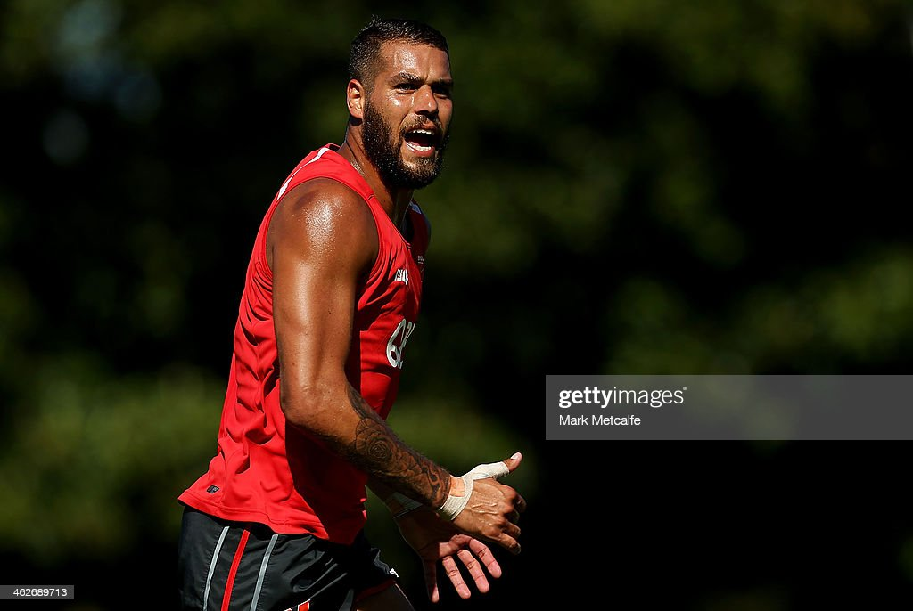 <a gi-track='captionPersonalityLinkClicked' href=/galleries/search?phrase=Lance+Franklin&family=editorial&specificpeople=561332 ng-click='$event.stopPropagation()'>Lance Franklin</a> runs during a Sydney Swans AFL pre-season training session at Lakeside Oval on January 15, 2014 in Sydney, Australia.
