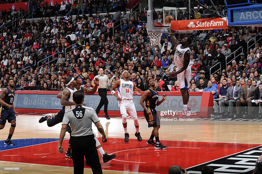 Lance Stephenson #1 of the Los Angeles Clippers goes to the basket against the New Orleans Pelicans on November 27, 2015 at STAPLES Center in Los Angeles, California.