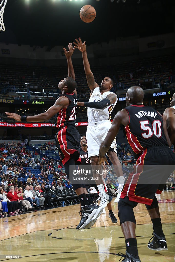 Lance Thomas #42 of the New Orleans Pelicans puts up the shot against the Miami Heat during an NBA preseason game on October 23,2013 at the New Orleans Arena in New Orleans, Louisiana.