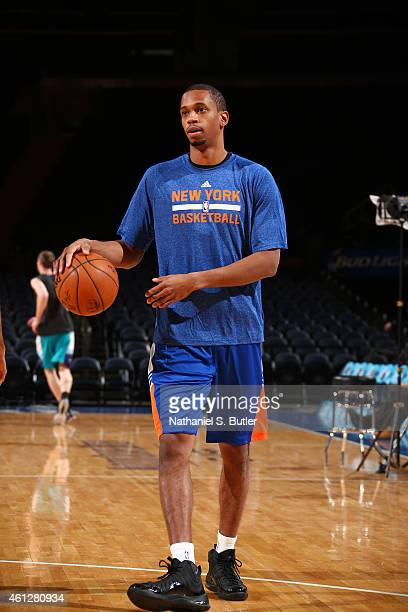 Lance Thomas of the New York Knicks warms up before the game against the Charlotte Hornets on January 10 2015 at Madison Square Garden in New York...
