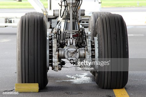 Landing gear : Stock Photo