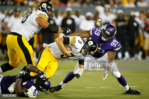 Landry Jones of the Pittsburgh Steelers gets sacked by Shamar Stephen and Danielle Hunter of the Minnesota Vikings in the second half of the NFL Hall...