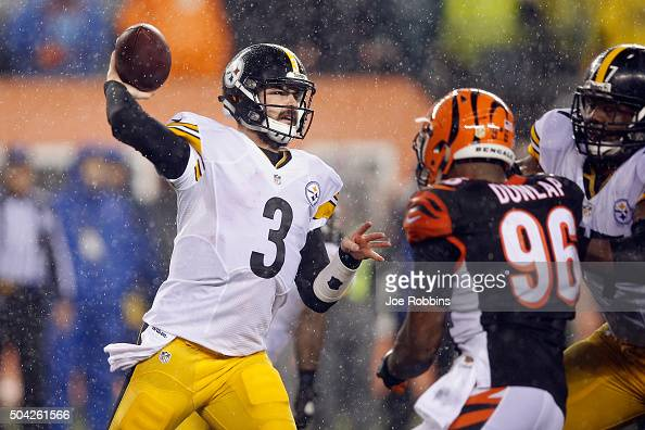 Landry Jones of the Pittsburgh Steelers throws a pass in the second half against the Cincinnati Bengals during the AFC Wild Card Playoff game at Paul...