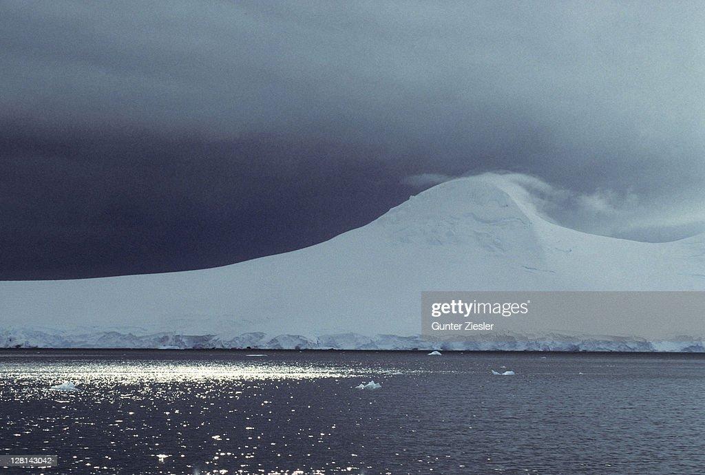 Landscape at Port Lockroy. Neumayer Channel. Antarctica : Stock Photo