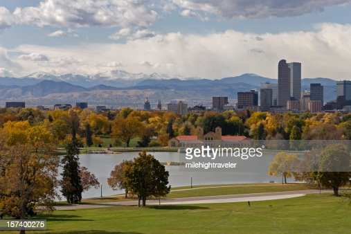 Landscape of the downtown Denver skyline in the fall