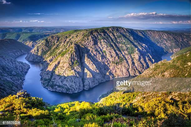 Paisaje del Ribeira Sacra (Sil río Canyons) de Ourense