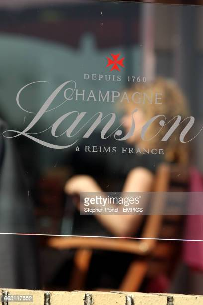Lanson champagne bar logo
