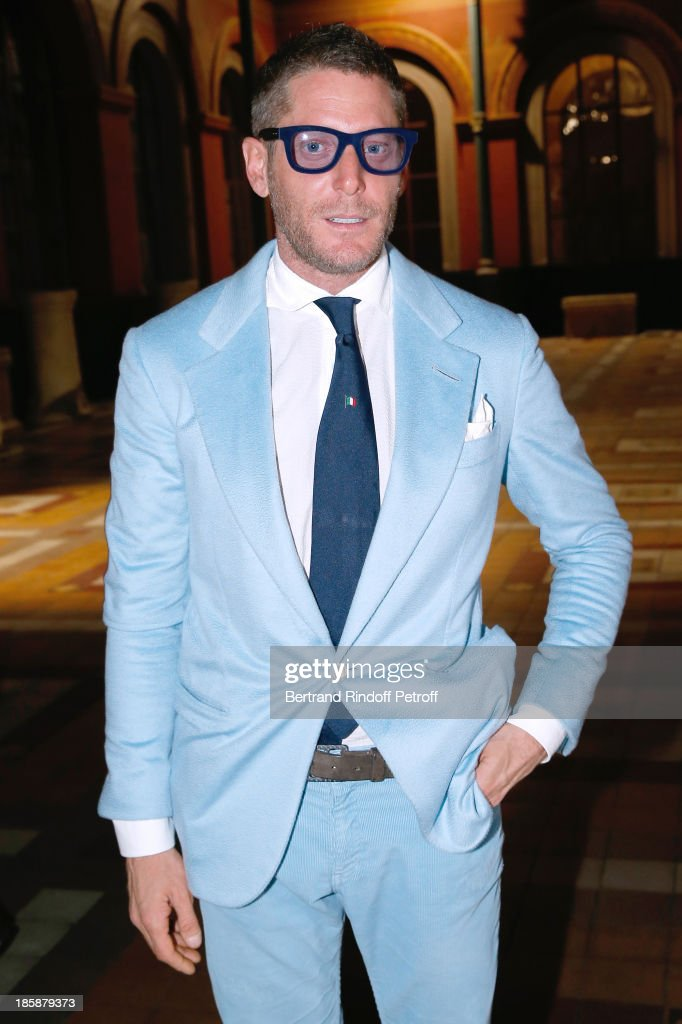 <a gi-track='captionPersonalityLinkClicked' href=/galleries/search?phrase=Lapo+Elkann&family=editorial&specificpeople=771607 ng-click='$event.stopPropagation()'>Lapo Elkann</a> - Designer Alber Elbaz pays tribute to Cesar Baldaccini by an Evening Pic-Nic at the Ecole Nationale Superieure des Beaux Arts de Paris on October 25, 2013 in Paris, France.