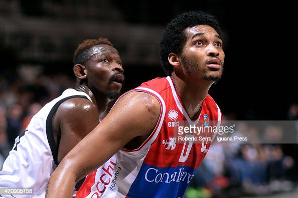 LaQuinton Ross of Consultinvest competes with Jeremy Hazell of Granarolo during the LegaBasket match between Virtus Granarolo Bologna and...