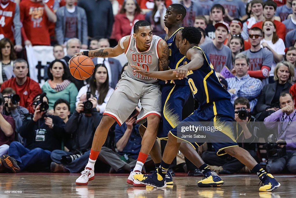 LaQuinton Ross of the Ohio State Buckeyes controls the ball against the Michigan Wolverines on February 11 2014 at Value City Arena in Columbus Ohio