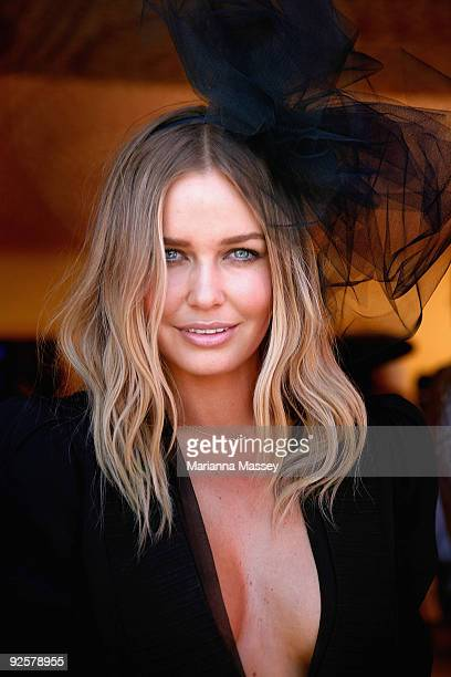 Lara Bingle arrives at the AAMI Victoria Derby Day at Flemington Racecourse on October 31 2009 in Melbourne Australia